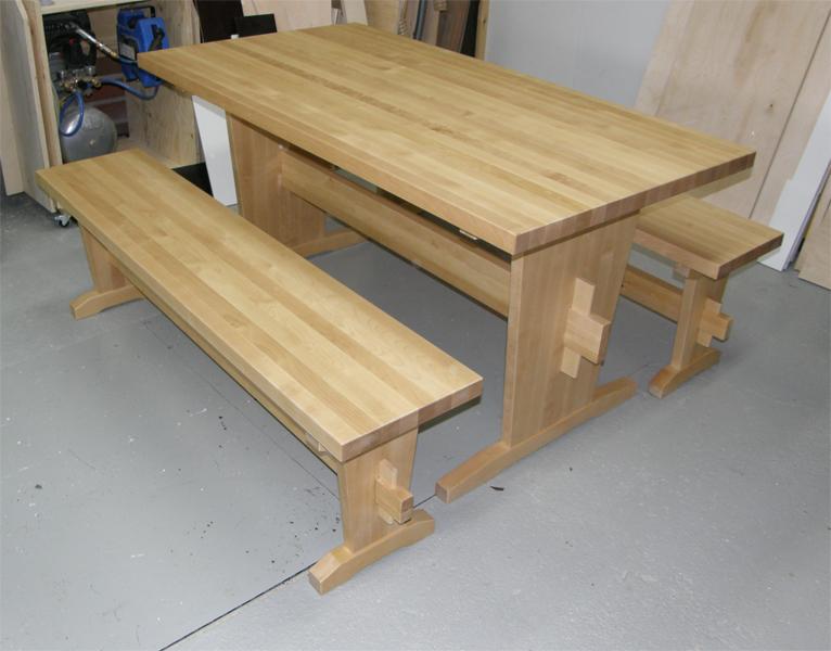 Pirttipöytä