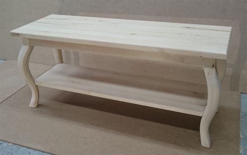 Pieni sohvapöytä
